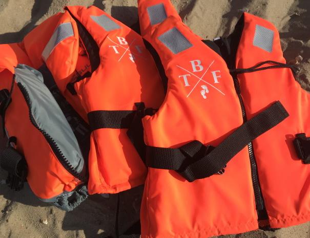 pfd-paddleboard-hire