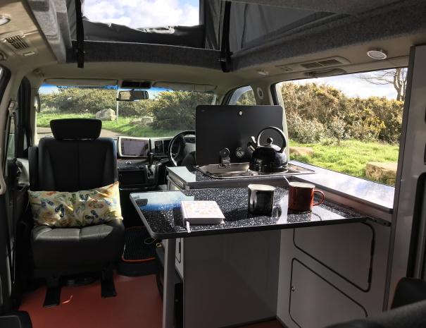 campervan-dale-table-605