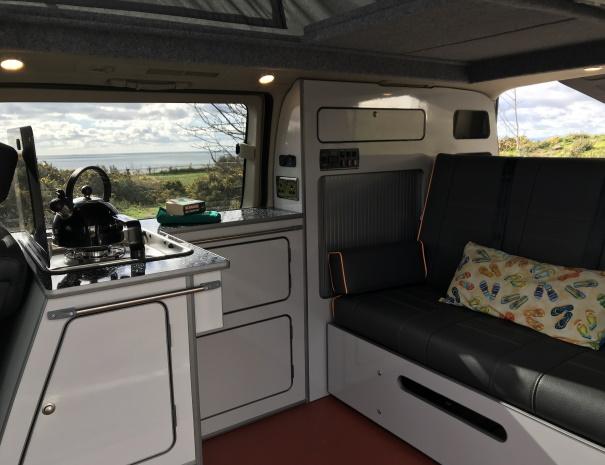 campervan-interior-605